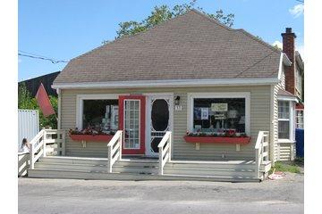 Centre Décor Hudson à Hudson: Store front on Yacht Club Rd