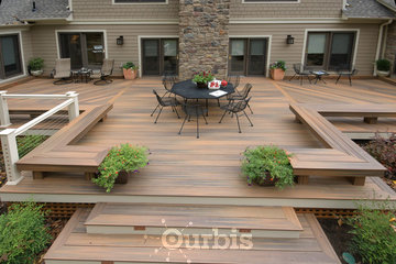 Wolf and White Ltd. – Fence and Deck Builder