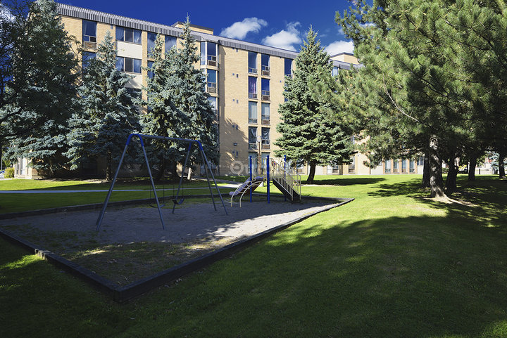 Capreit Pickering Place Apartments Pickering On Ourbis