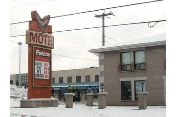 Motel Falcon Inc à Brossard