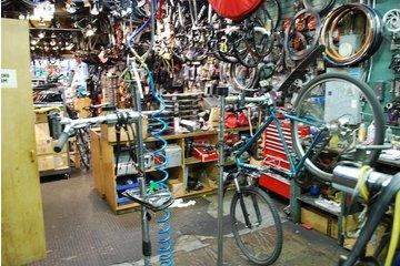 Simon's Bike Shop in Vancouver: Bike Repair