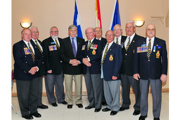Legion Royale Canadienne - Filiale Pointe-Gatineau 58 à Gatineau: Exéutifs avec sénateur Roméo Dallaire
