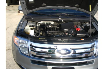 A and A Detailing in Lindsay: Engine of ford Edge