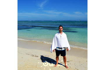 Snappy Towels Inc in TORONTO: Snappy Towels microfiber beach towels and sports towels snap on as a changing cover