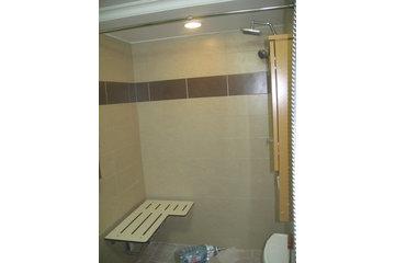 L V Novabec Construction Inc à LaSalle: siege de douche sans seuil