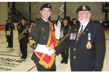 Legion Royale Canadienne - Filiale Pointe-Gatineau 58 à Gatineau: nouveau sache pour corps de cadets 2920 commandité par LRC filiale 58