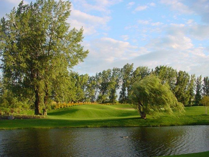 Golf La Prairie >> Club De Golf La Prairie La Prairie Qc Ourbis