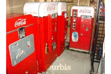Dave's Garage & Memorabilia Inc in Abbotsford: Pop machines for sale.