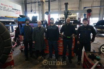 Transmission MM à Québec: Équipe de mécaniciens au garage de mécanique automobile Cliniqueauto mm à Québec