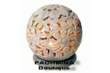 Pachmina in Montréal: Chandelier en pierre de savon ( soft marble )