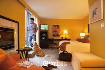 OPUS Hotel Vancouver in Vancouver