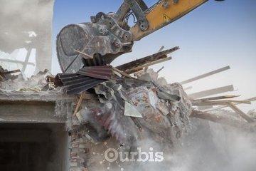 Excavation Barrette Real in Compton: Démolition de bâtiment