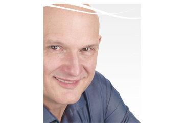 Cliniques de correction de la vue Michel Pop à Montréal: Dr Michel Pop