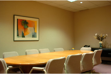 Business Centers Online Executive Inc à Pointe-Claire: conf. room