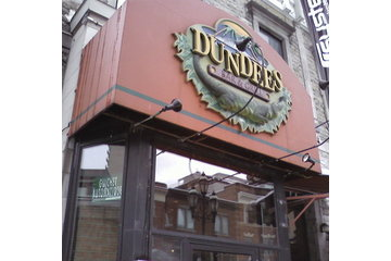 Dundees Deli & Bar & Grill