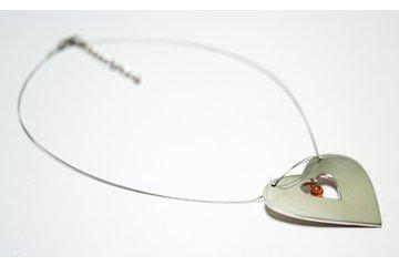 Bijoux Collection Vianna à Montréal: Commande spéciale Pendentif coeur en argent avec 1 ambre