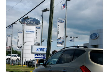 Desjardins Ford Ltee à Saint-Laurent
