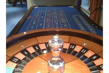 montocarlostags.com in Hamilton: roulette table