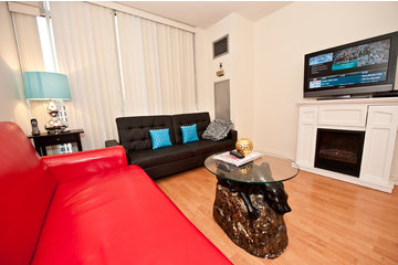 Canada Suites in Toronto: Deluxe 1 Bedroom Suite at Canada Suites Toronto Furnished Apartments