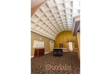 The Royalton in Woodbridge: The interior lobby at the Royalton in Woodbridge