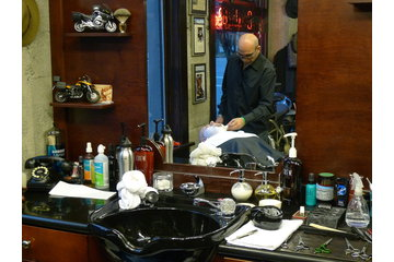 Farzad's Barber Shop in Vancouver: Farzad doing a shave