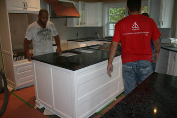 Leeza Distribution Inc à Saint-Laurent: HanStone Quartz Coutnertop Install