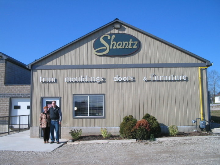 Shantz country treasures wellesley on ourbis for Centre meuble escompte