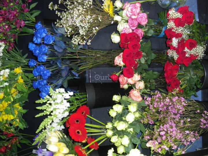 Fleuriste lavaltrie lavaltrie qc ourbis for Bouquet de fleurs quebec