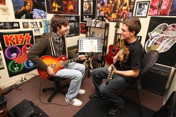 ÉCOLE de MUSIQUE ROCKSTAR   Cours Guitare   Cours Musique   Cours Piano à Saint-Constant: Cours Guitar Saint-Constant