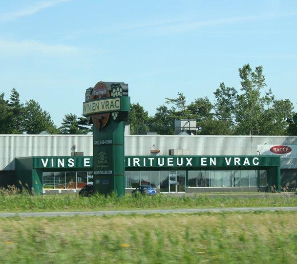 SAQ - Maison Des Futailles, Saint-Hyacinthe QC