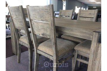 Meubles Gilles St-Georges Inc in Saint-Michel-des-Saints: salle à manger de qualité