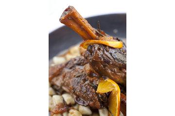Restaurant Au Petit Resto Enr à Montréal: Jarret d'agneau au Montbasilac et oranges confites
