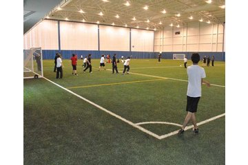 Collège St Jean Vianney à Montréal: Stade de soccer intérieur du collège privé st-jean-vianney à montréal