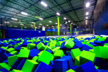 Air Riderz Trampoline Park in Mississauga: Foam Pit
