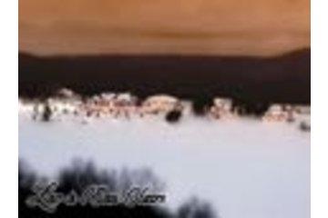 Auberge Lac à L'Eau Claire in Saint-Alexis-des-Monts: L'Auberge en hiver