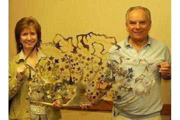 Moses' Art in Campbell River: Sandra & Walter Moses with their Canadian Pride