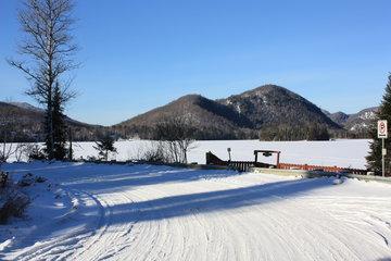 Chalets & Studios Le Vent Du Nord à Lac-Supérieur: lac superieur hiver 2011