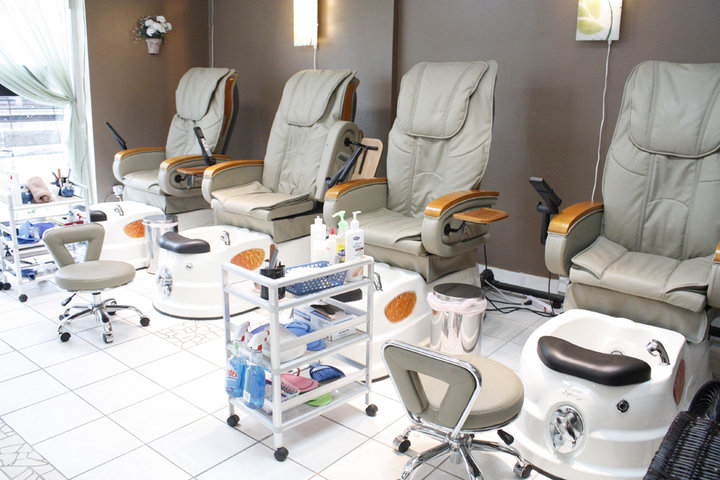 Glow salon hair nail montr al qc ourbis - Salon ongles montreal ...