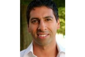 Downtown Wellness Centre in Vancouver: Vancouver Chiropractor Dr. Raminder Badyal