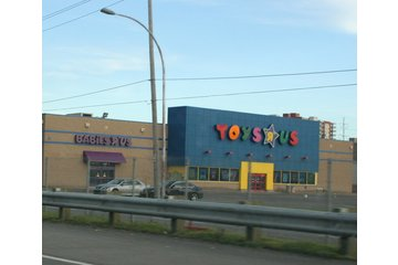 Toys R Us in Anjou