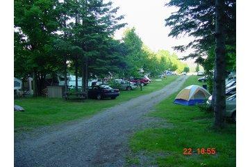 Camping Le Domaine Champetre in Saint-Vallier: Place pour saisonnier disponible