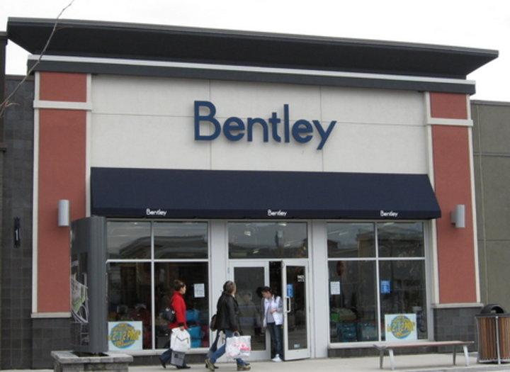 Bentley brossard qc ourbis for Dix30 meubles