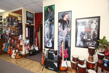 ÉCOLE de MUSIQUE ROCKSTAR   Cours Guitare   Cours Musique   Cours Piano à Saint-Constant: Boutique de musique à Saint-Constant