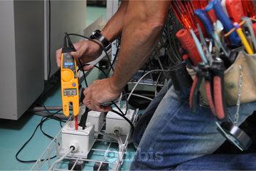 EXE Experts Électriciens à Laval: Maîtres Électriciens