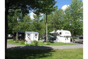 Camping Joie De Vivre à Saint-Jean-sur-Richelieu: Site de Claire et Laurent