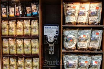 Marché Laurier à Montréal: Du bon café importé
