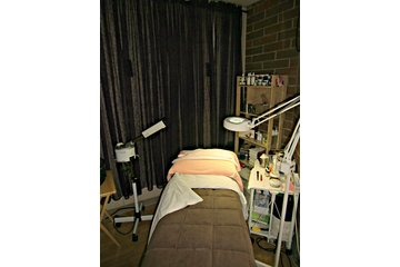 Volume Hair Lounge & Spa in Maple Ridge
