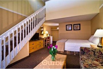Kelowna Inn & Suites in Kelowna: 2 queen loft guest room