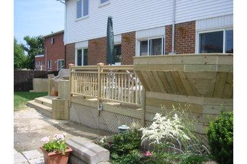 JENOMA High Quality Renovations in Montréal: Custom deck in Kirkland