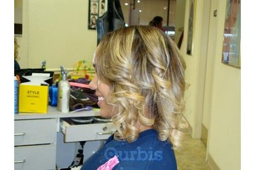 Scizzors & Style hair and Beauty Salon